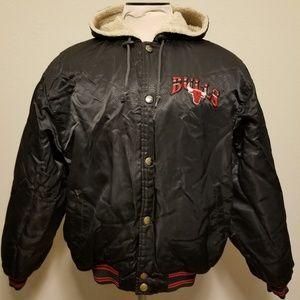 2e3b8516722874 STARTER Jackets   Coats - Vintage 90 s Chicago Bulls Starter Jacket Medium